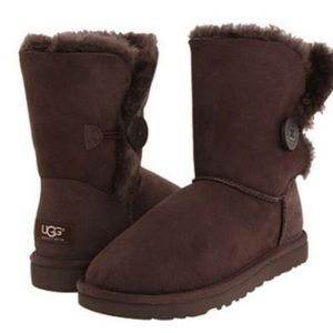 UGG Bailey Button boots 🥾 brown chocolate